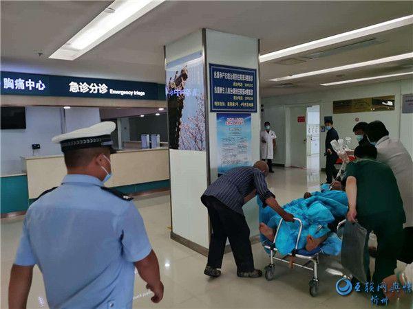 忻州交警正能量 警车开道护送 重症病人得及时救治