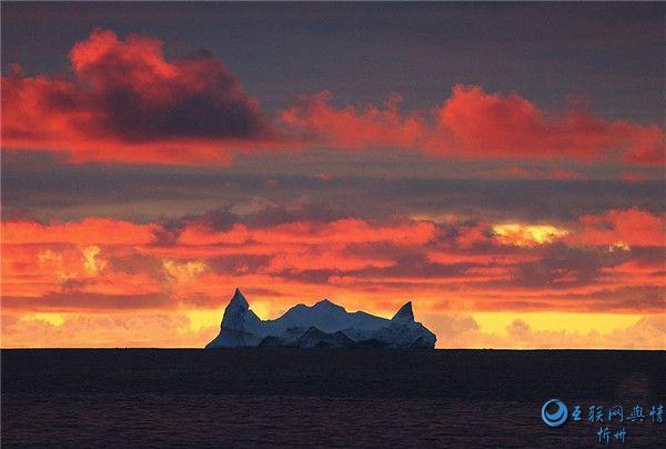宇航员海的美丽冰山[组图]