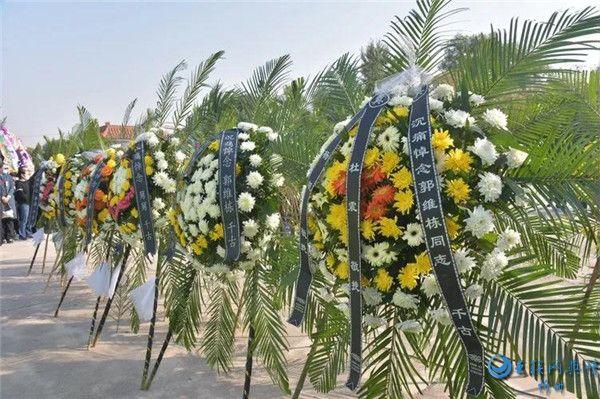 【缅怀】忻州市领导 民警和市民挥泪送别好交警郭维栋