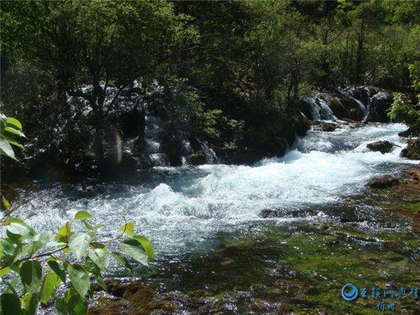 山涧溪流瀑布图片集