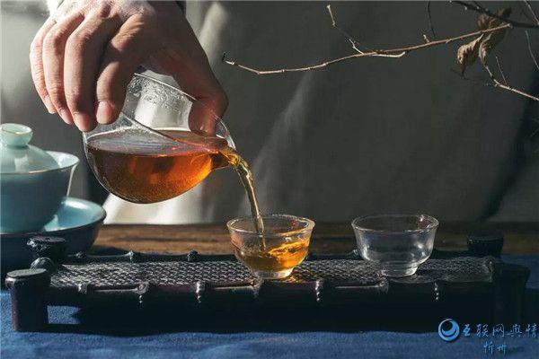 每天 习惯泡一壶好茶慰藉自己