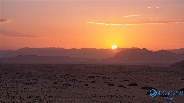 约旦瓦迪拉姆沙漠自然风景图片