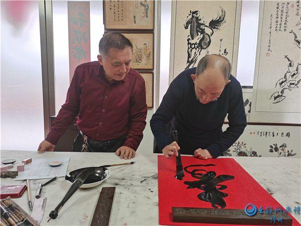 """""""中国梦优秀艺术家""""赵存仁在忻州采风创作"""