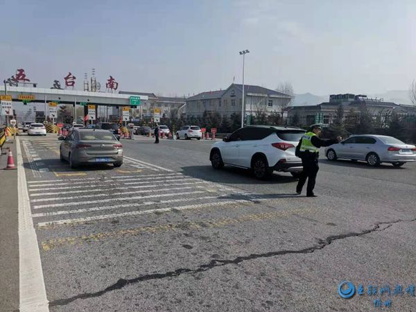 山西忻州:货车变身卧铺车,清明出行莫侥幸