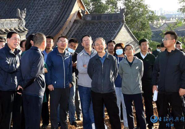 忻州市委书记郑连生在忻州古城现场办公