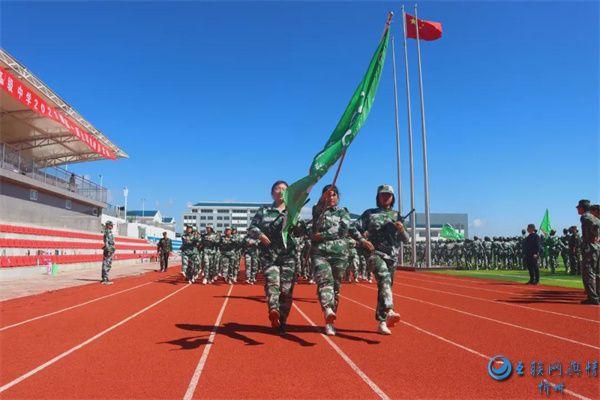 宁武县人武部在中学教育集团高中校区开展学生军训